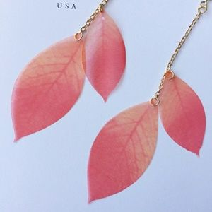 Jewelry - Pink and Gold Feather Dangle Earrings